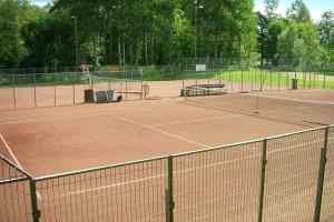 Lue lisää aiheesta Tenniskentät